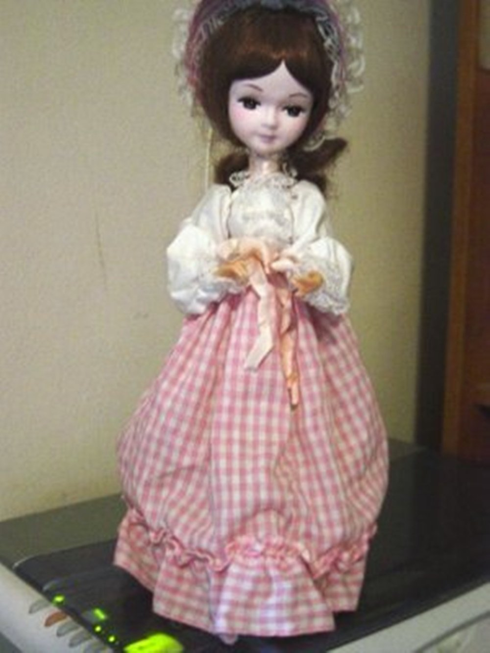 Vintage Dae Ha Industrial Little Brunette Girl Music Box Doll Plays By Throne of God  #400020