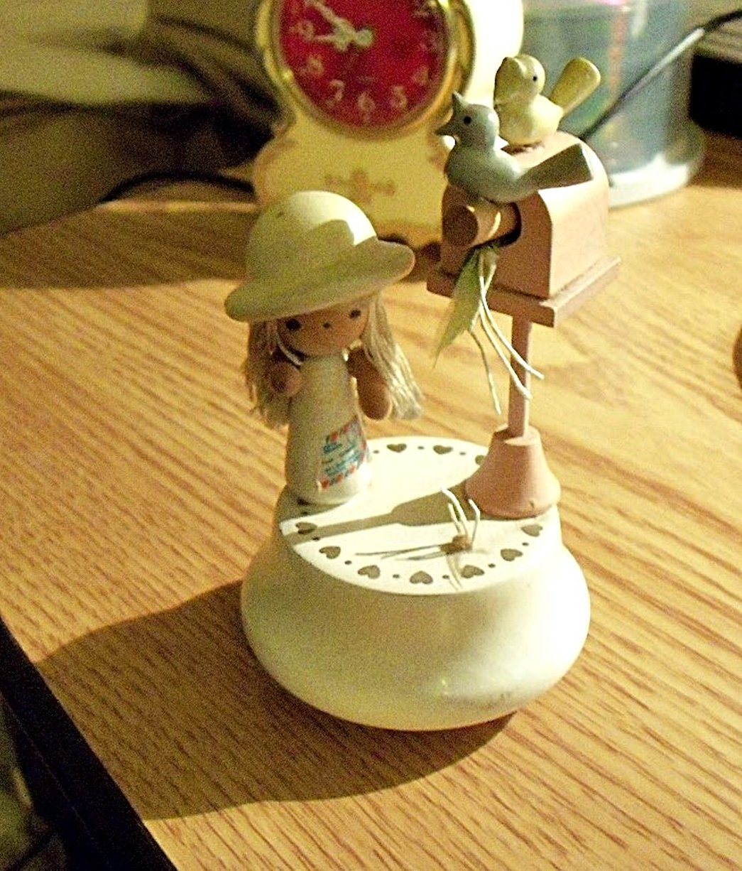 Old Wooden Lefton Little Girl with Birdhouse and Birds Music Box Traumerei #400056