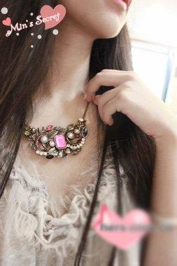 Elegant & Fashionable Multicolor-diamond Carving Necklace