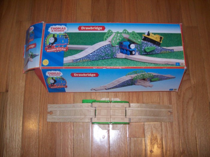 THOMAS THE TRAIN WOOD DRAWBRIDGE