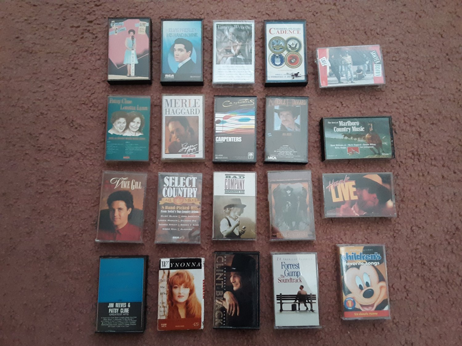 Lot of 20 Classic Country Cassettes - Patsy Cline - Loretta lynn - Merle Haggard - George Strait