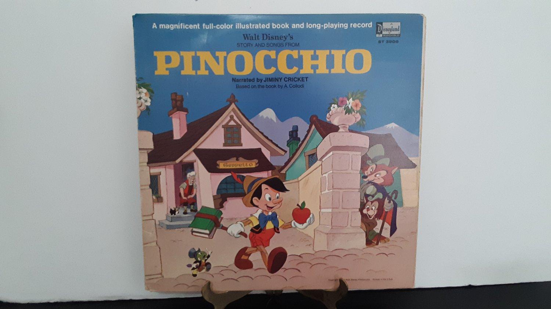 Walt Disney - Pinocchio - Plus 11 Page Full Color Illustrated Book - Circa 1969