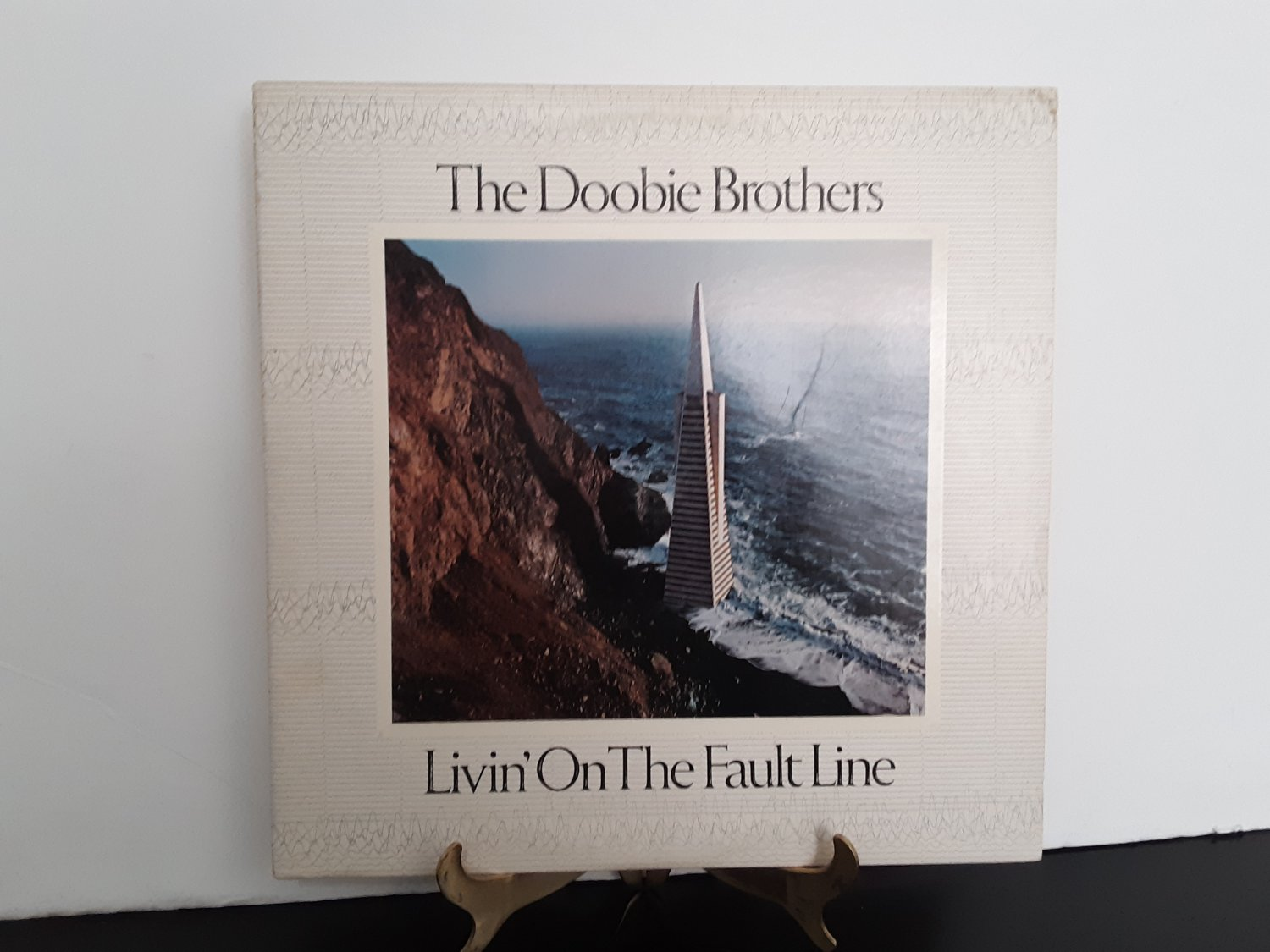 The Doobie Brothers - Livin' On The Fault Line - Circa 1977