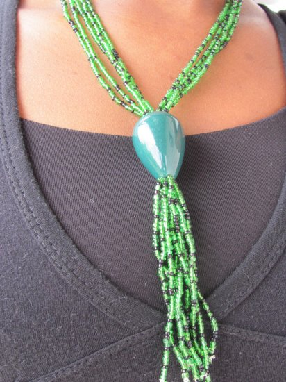 green blue multi-string short necklace