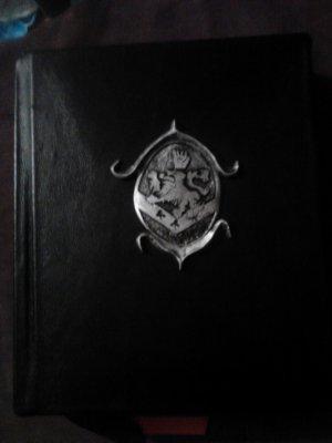 Cullen Grimoire (Twilight) Vampire Book of Shadows (Cullen Crest) Blank