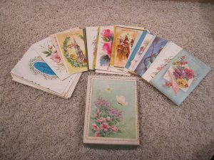 UNUSED Vintage assortment of cards & envelopes in box