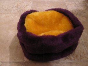 NEW similar to Minnesota Vikings (not official) purple & gold colors winter faux fur hat