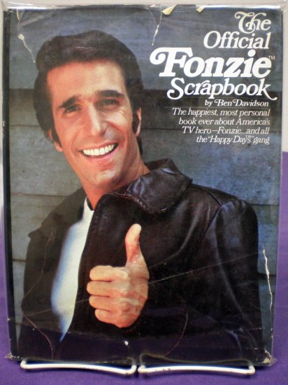 The Official Fonzie Scrapbook # 1, 4.5 VG +