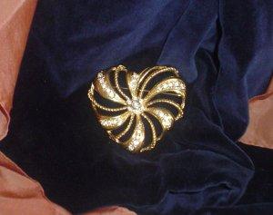 Avon Large Elegant Heart w/ Rhinestones Pin/Brooch