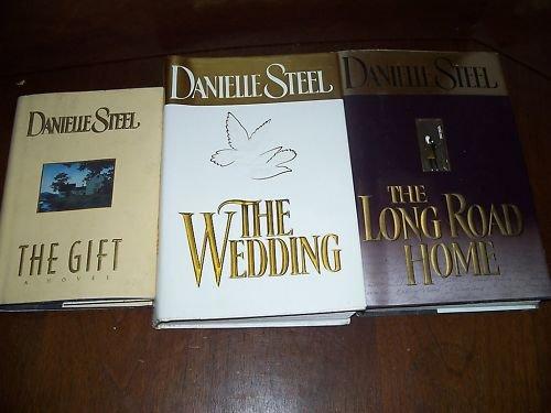Lot 3 Danielle Steel HC Books The Gift,The Wedding,....