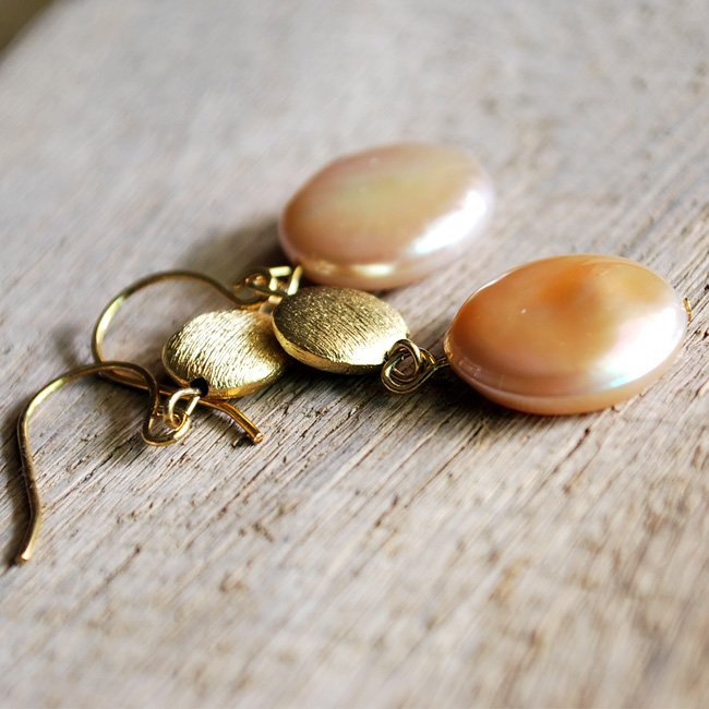 Light peach fresh water pearl coin with texture bead