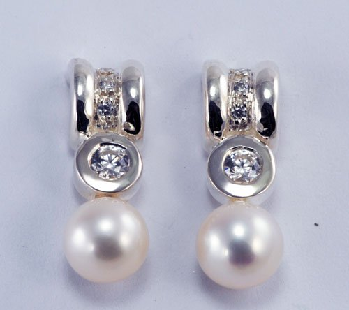 Diamond Earrings with Pearl JE 0061