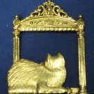 GOLD PLATE KITTY CAT WINDOW SITTER LAPEL PIN BROOCH