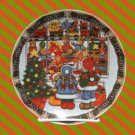 ROYAL NORFOLK TOY SHOP CHRISTMAS COLLECTOR PLATE CUTE