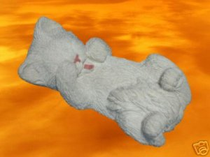 SANDICAST SLEEPING WHITE KITTY CAT FIGURINE STATUE CUTE