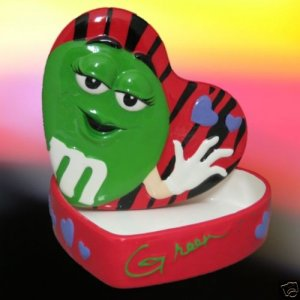 M&M M&Ms GREEN HEART CERAMIC TREASURE JEWELRY BOX CUTE