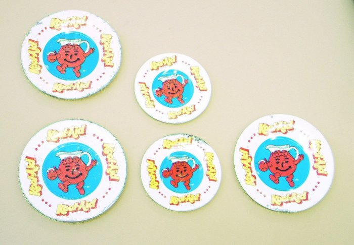 Kool Aid Kids Dishes - 3 larger - 2 Smaller -