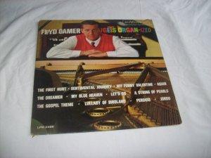 """Floyd Cramer Gets """"Organ-ized"""""""