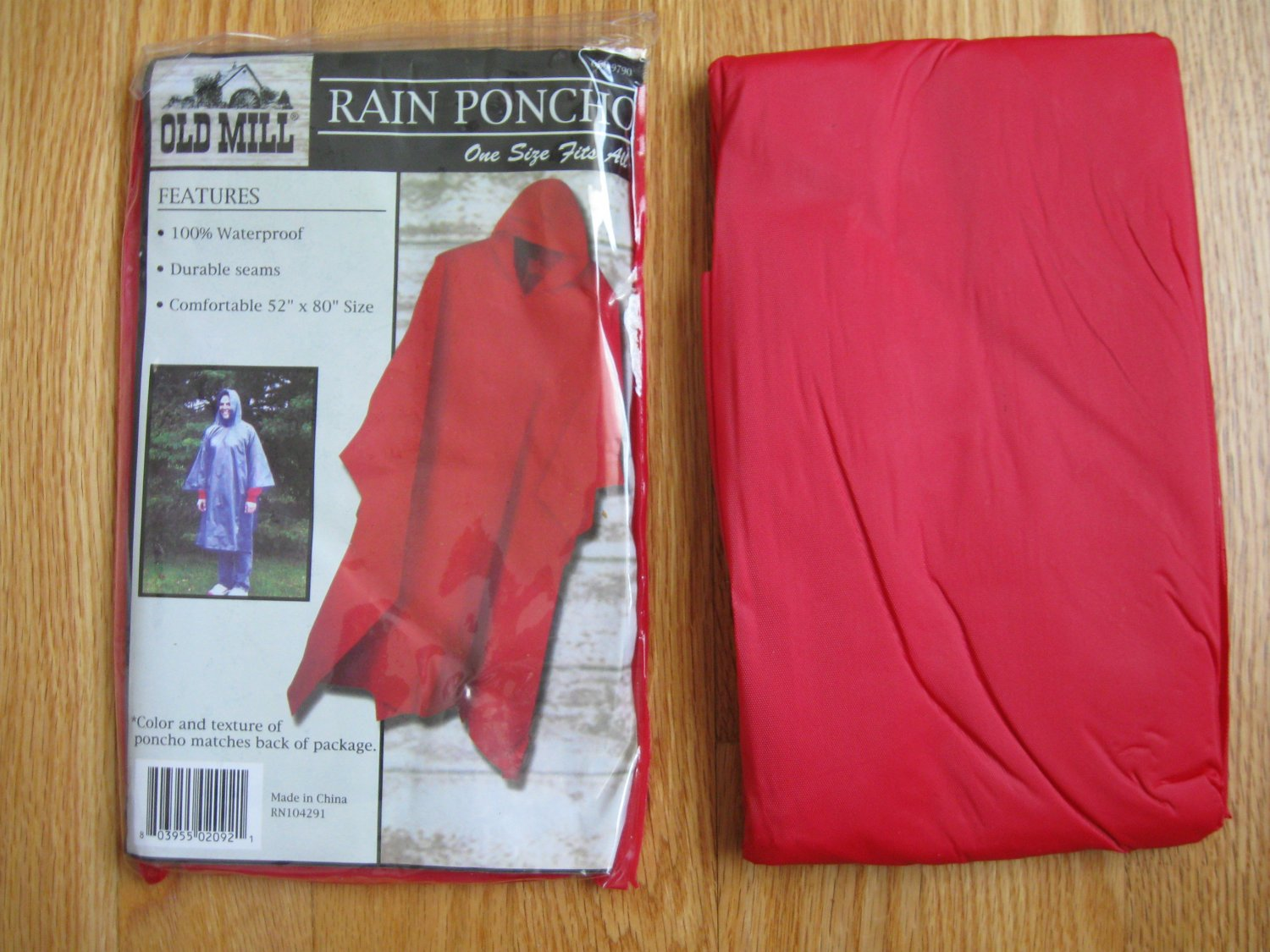 OLD MILL RAIN PONCHO red ONE SIZE FITS ALL NEW IN PACKAGE with hood