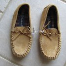 FOOT WARMERS BOY'S GIRL'S SIZE 1 MOCCASINS TAN LEATHER SHOES FLATS NATIVE INDIAN  NWT UNISEX