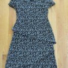 DRESSBARN WOMEN'S SIZE 8 DRESS BLACK & WHITE LEAF & FLORAL V NECK RIBBED LETTUCE EDGE SHORT SLEEVE