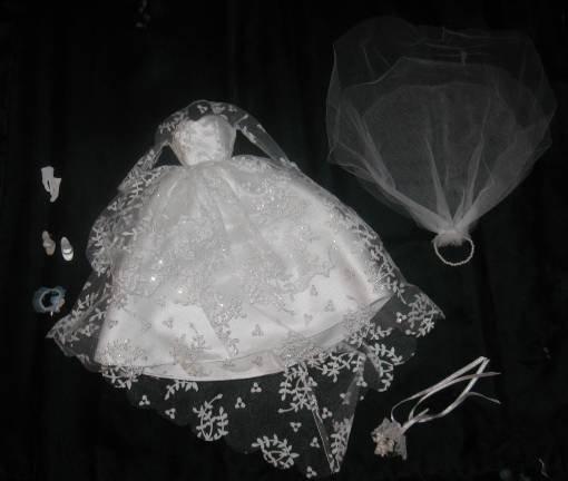 BARBIE GORGEOUS WEDDING DRESS FASHION W Accessories