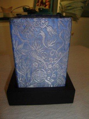 Pattern silk lantern in blue
