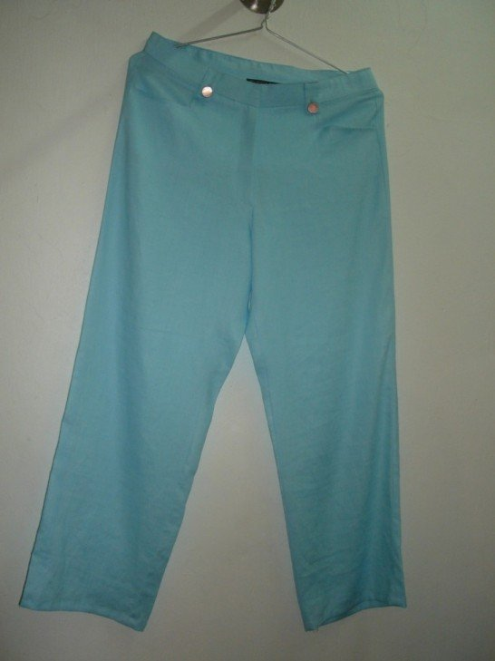 Linen pants in blue