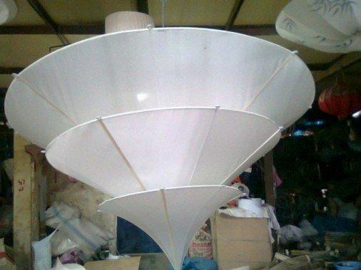 Hat lamp in white silk