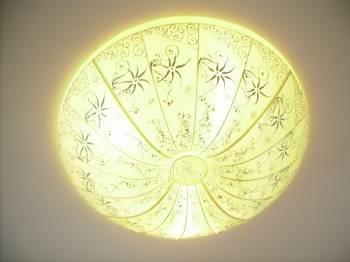 Round lantern in white  plain silk with hand drawing