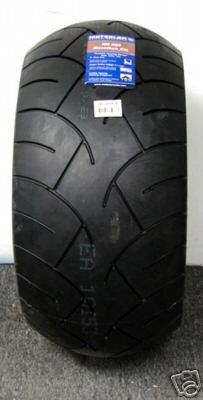 260/40VR18 METZELER ME 880 rear tire