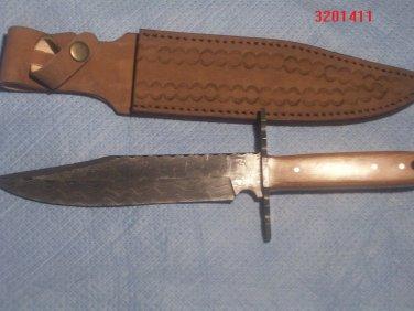 Custom hand made damascus knife