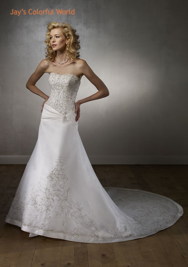 Scoop Neckline Strapless Embroidery Beading Train Wedding Dress Bridal Gown