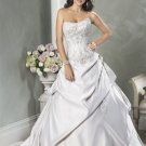 Scoop Neckline Strapless Embroidery Beading Lace-up Custom made Wedding Dress Bridal Gown