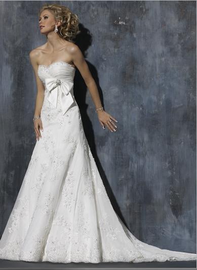 A-line Sweetheart Neckline Appliqued Beaded Custom-made Wedding Dress