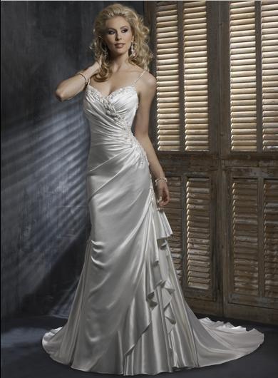 Sheath Spaghetti Strap V-neckline Appliqued Beaded Custom made Wedding Dress