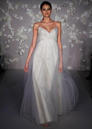 Backless Deep V-neckline Appliqued Beading Tuller Wedding Dress Bridal Gown