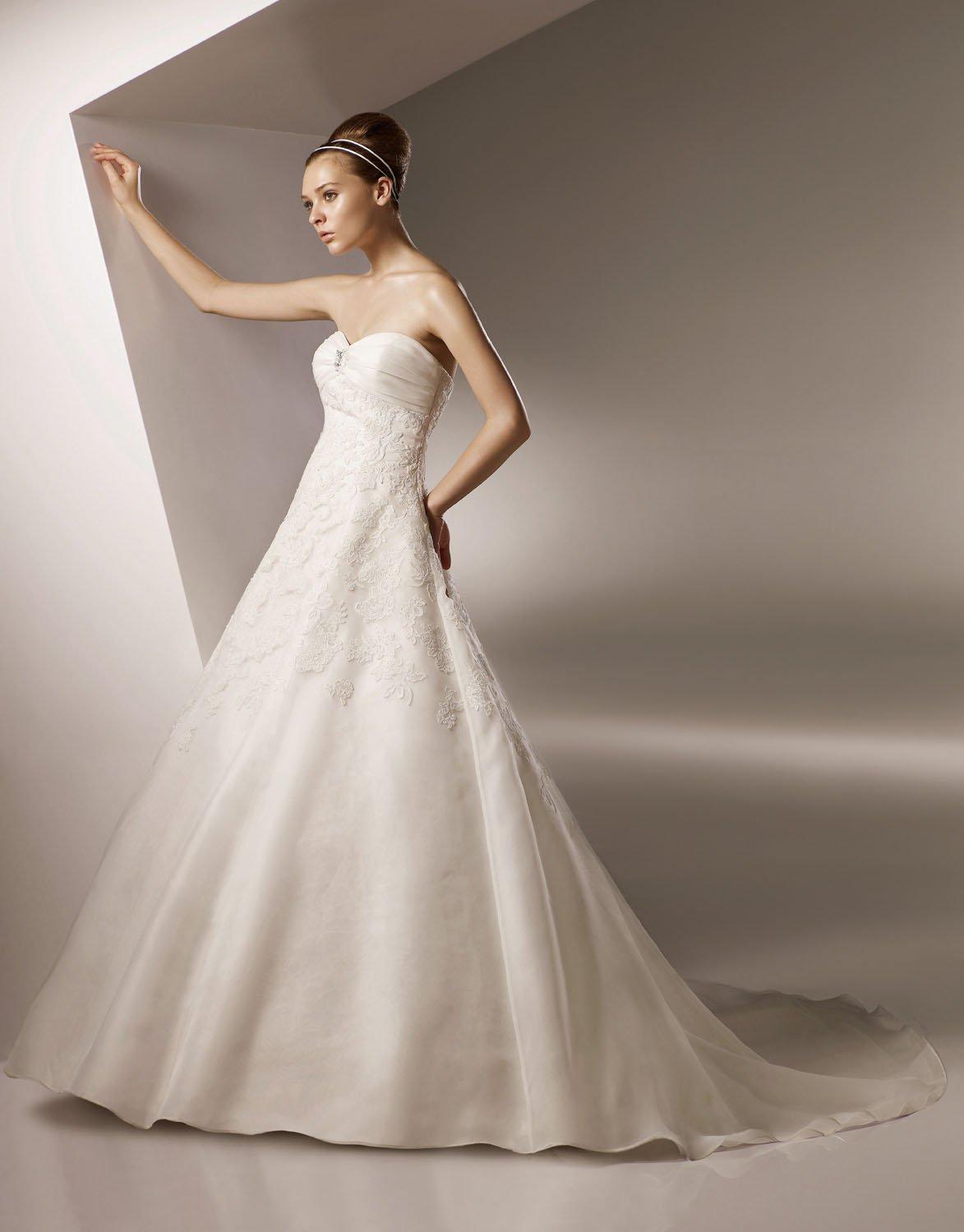 Sweetheart Appliqued Organza Wedding Dress Bridal Gown