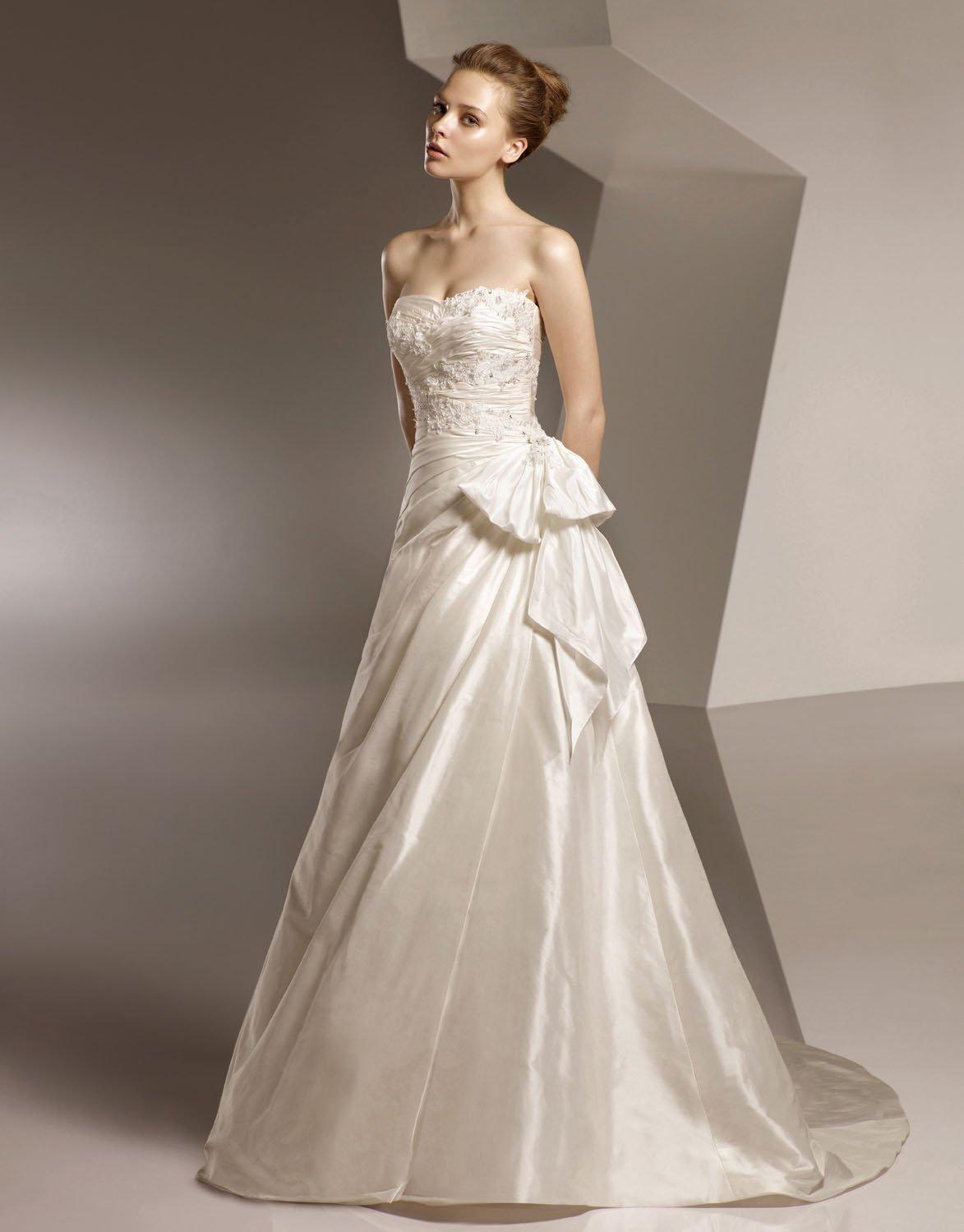 Sweetheart Appliqued Beading Taffeta Wedding Dress Bridal Gown aq0024