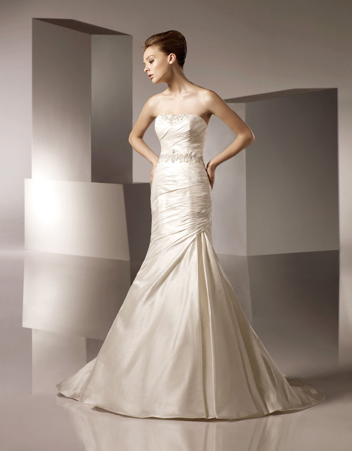 Mermaid Straight Neckline Appliqued Beading Lace-up Taffeta Wedding Dress Bridal Gown aq0025