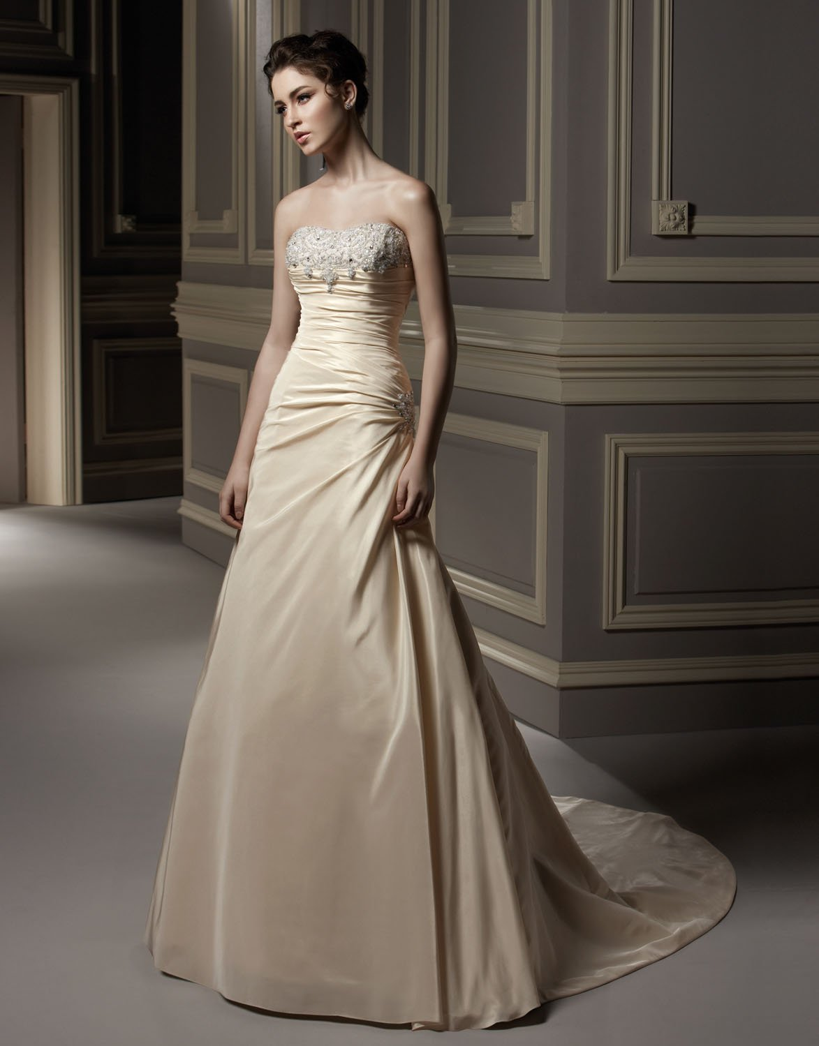 Scoop Neckline Strapless Appliqued Beading Taffeta Wedding Dress Bridal Gown aq0034