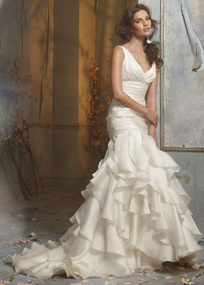 Backless V-neckline Beading Taffeta Wedding Dress Bridal Gown JH001