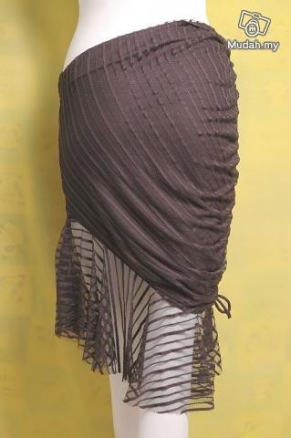 models off duty style fashion clothing vintage 80s lady gaga insp avgarde skirt