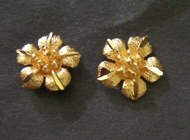 mini lovely flower 24K gold filled earrings 1 micron