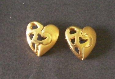 very lovely mini heart 24K gold filled earrings