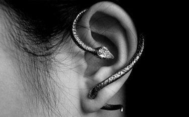 Snake Bite Ear Cuff Wrap Earring Antique Silver Armor Halloween Gothic Serpent Temptation Punk Goth