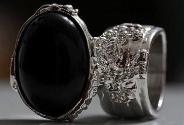 Arty Oval Ring Black Matte Silver Knuckle Art Chunky Artsy Armor Avant Garde Statement Size 5