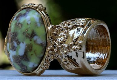 Arty Oval Ring Yellow Green White Mottled Gold Chunky Knuckle Art Avant Garde Statement Size 10