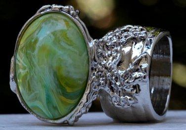 Arty Oval Ring Green Yellow Swirl Silver Vintage Knuckle Art Avant Garde Artsy Statement Size 8.5