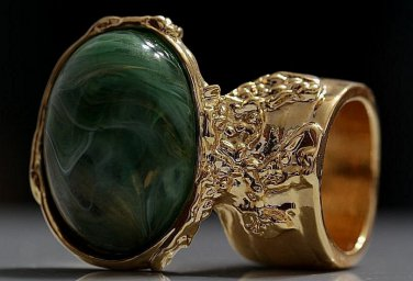 Arty Oval Ring Green Swirl White Gold Chunky Knuckle Art Avant Garde Statement Jewelry Size 5.5